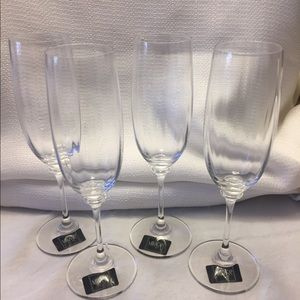 Mikasa fluted champagne glasses set of 4 New